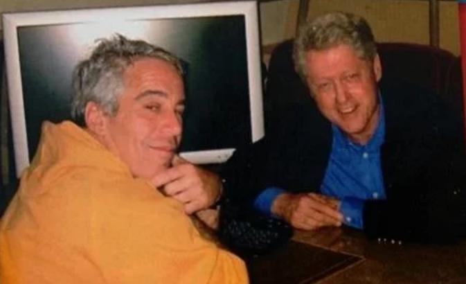 Jeffrey-Epstein-Bill-Clinton